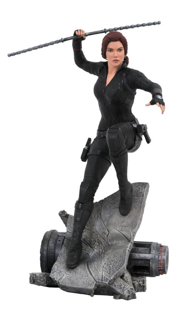 Diamond-Select-Toys-Endgame-PVC-statues-3-600x997
