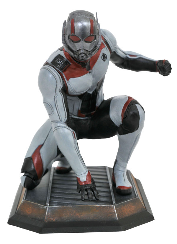 Diamond-Select-Toys-Endgame-PVC-statues-5-600x823