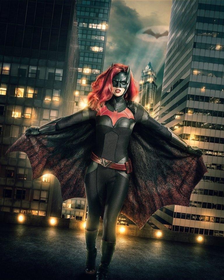 Los productores de Arrowverse discuten la ausencia de Batman de Gotham en el crossover de 'Elseworlds'