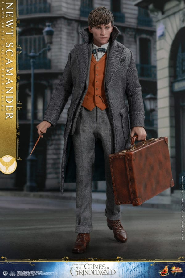 Hot-Toys-Fantastic-Beasts-2-Newt-Scamander-Collectible-Figure-2-600x900
