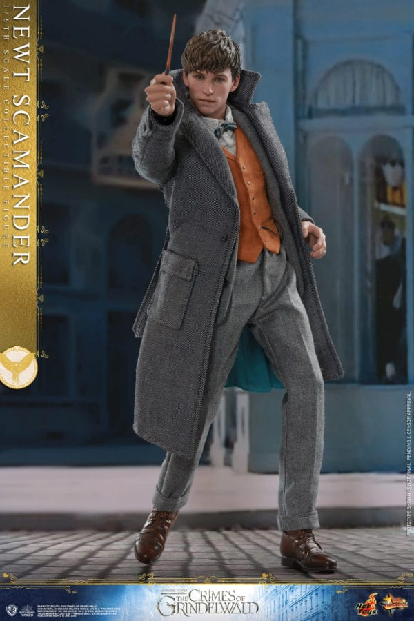 Hot-Toys-Fantastic-Beasts-2-Newt-Scamander-Collectible-Figure-3-600x900
