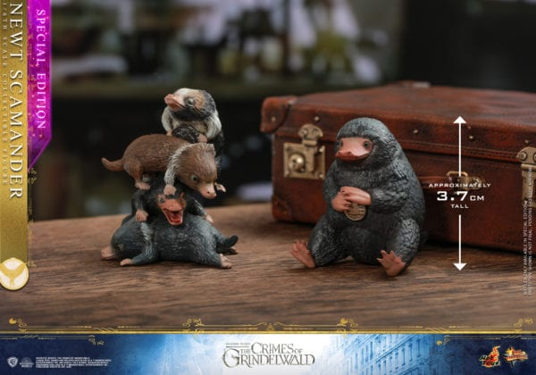Hot-Toys-Fantastic-Beasts-2-Newt-Scamander-Collectible-Figure-10-600x420