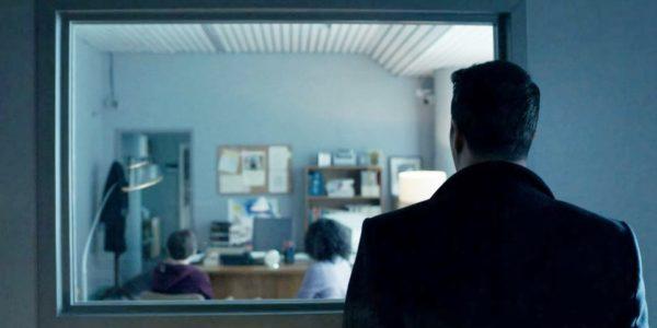 Titanes-Bruce-Wayne-Actor-Back-600x300