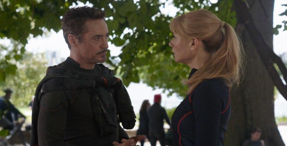 Tony Stark y Pepper Potts se reúnen en la imagen detrás de escena de Avengers 4