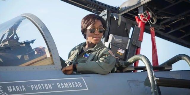Lashana Lynch habla sobre su papel de Capitana Marvel como Maria 'Photon' Rambeau