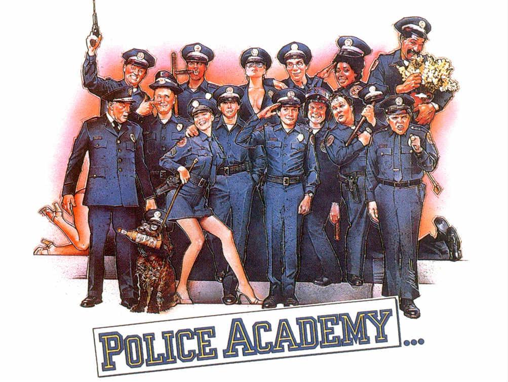 Steve Guttenberg insinúa una nueva asignación para la Academia de Policía