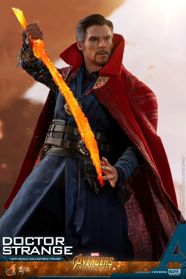 Hot-Toys-AIW-Doctor-Strange-collectible-figure-6-600x900