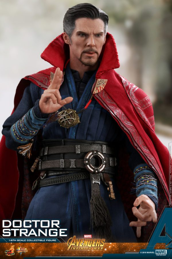 Hot-Toys-AIW-Doctor-Strange-collectible-figure-7-600x900