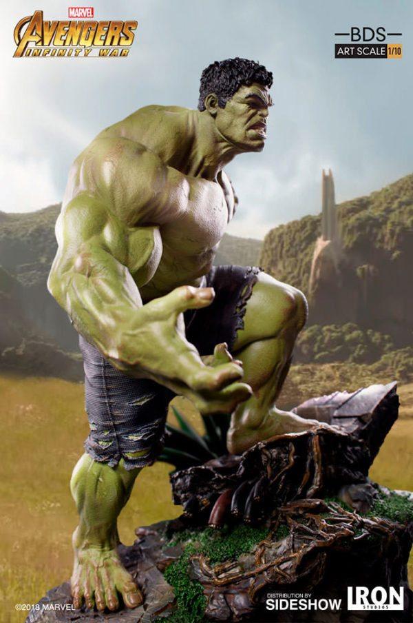 Hulk-Battle-Diorama-Series-statue-3-600x904