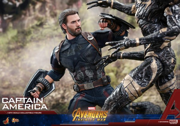 Hot-Toys-Infinity-War-Captain-America-figure-7-600x422