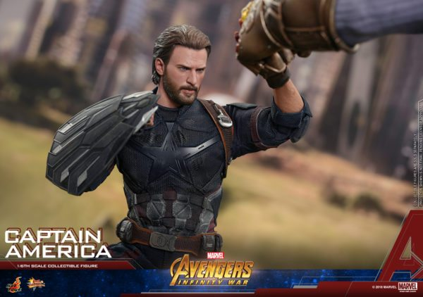 Hot-Toys-Infinity-War-Captain-America-figure-8-600x422