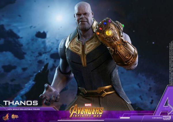 Thanos-Hot-Toys-figure-3-600x422