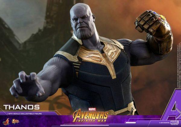 Thanos-Hot-Toys-figure-5-600x422