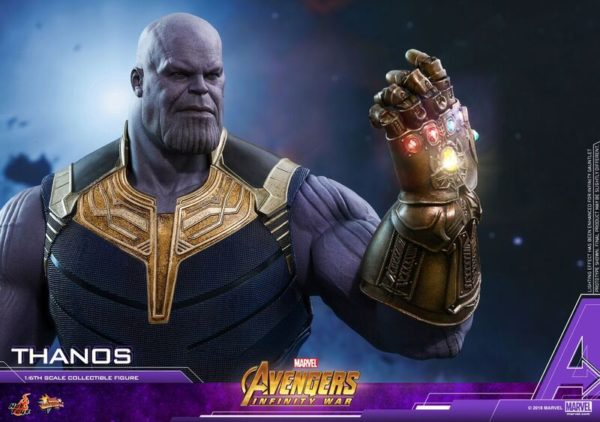 Thanos-Hot-Toys-figure-6-600x422