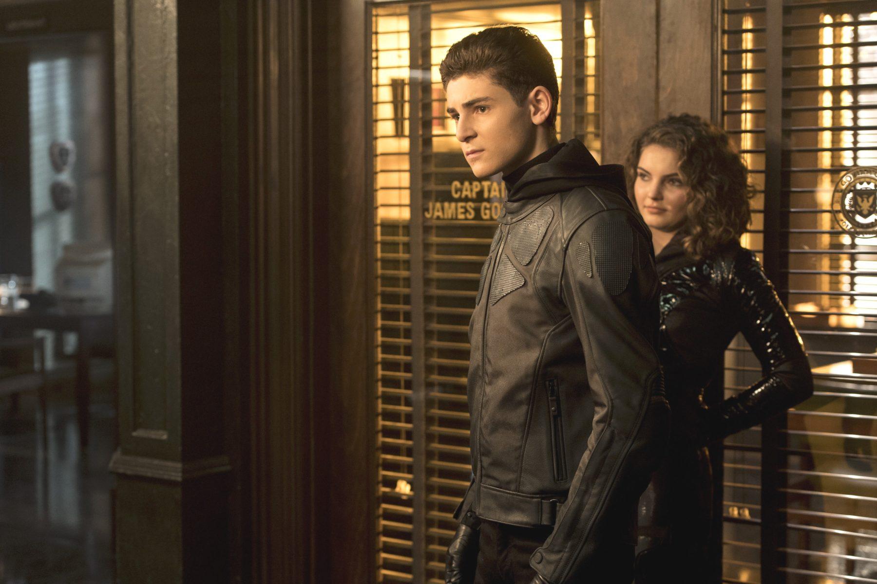 David Mazouz anuncia que la temporada 4 de Gotham ha terminado la filmación