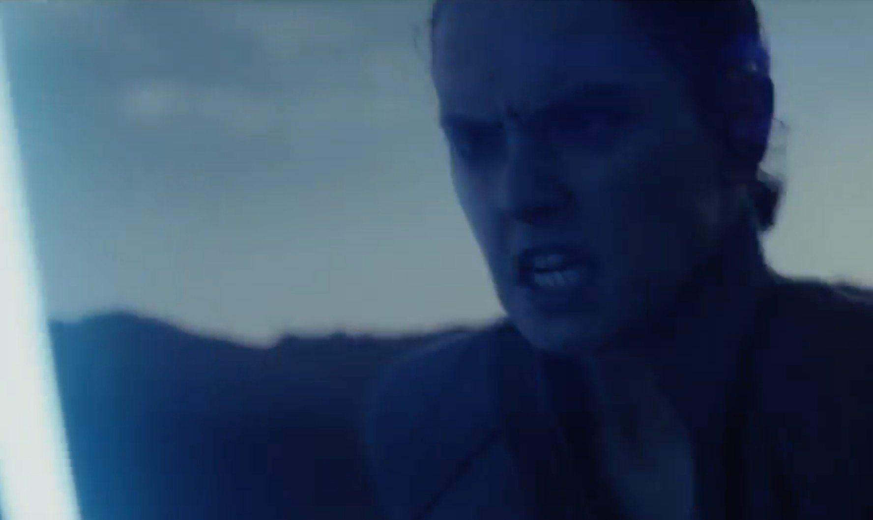 Mira cinco escenas de Star Wars: The Last Jedi, incluida la tercera lección de Rey y el cameo de Tom Hardy