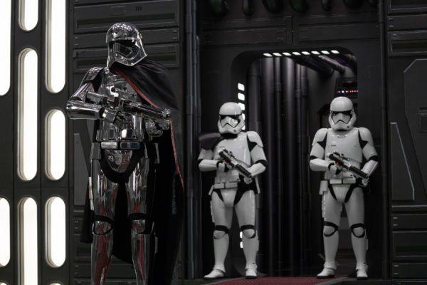 Star-Wars-The-Last-Jedi-images-35-11-600x400