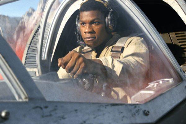 Star-Wars-The-Last-Jedi-images-35-12-600x400