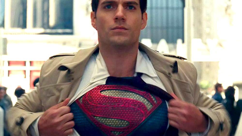 Henry Cavill dice que no ha renunciado a Superman y que quiere hacerle justicia